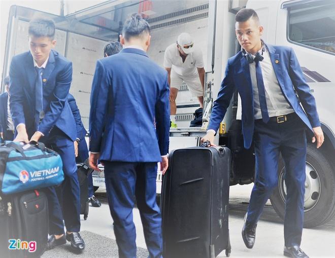 Cau thu U20 Viet Nam dien vest 'xong dat' FIFA U20 World Cup hinh anh 5