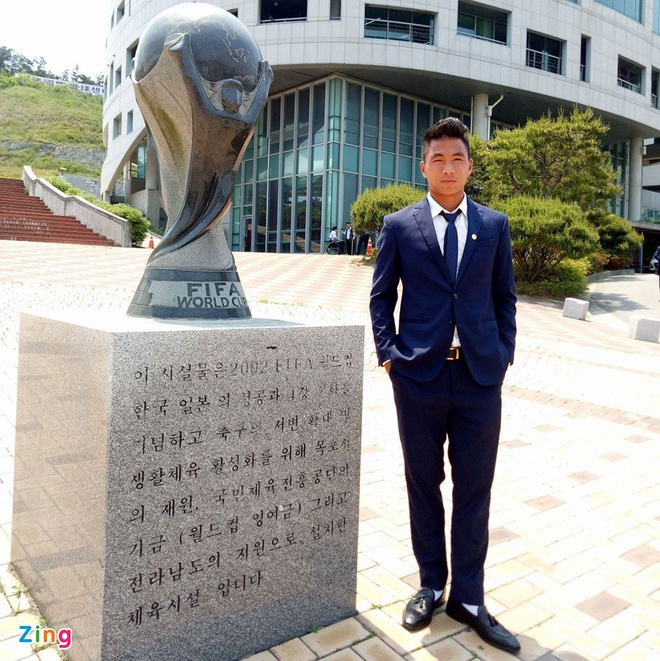 Cau thu U20 Viet Nam dien vest 'xong dat' FIFA U20 World Cup hinh anh 7