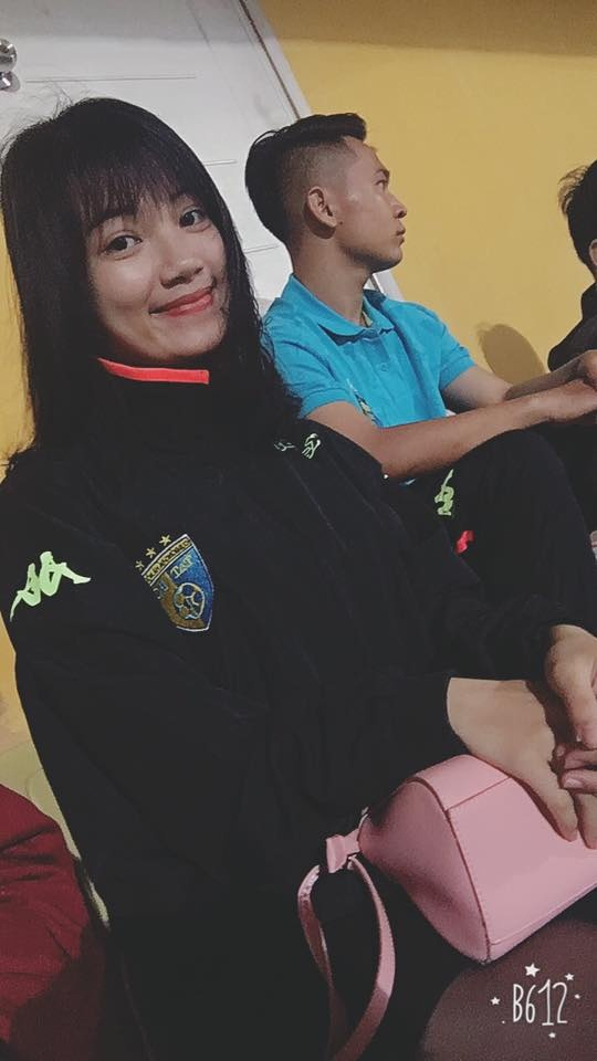 Ban gai tien ve U20 Viet Nam gui qua dac biet sang Han Quoc hinh anh 4