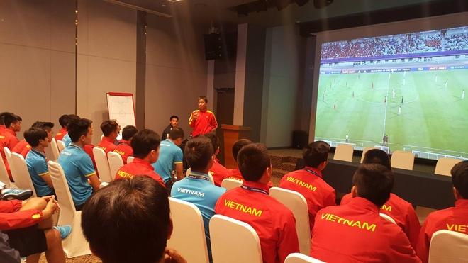 U20 Viet Nam hop rut kinh nghiem truoc tran gap Phap hinh anh 1