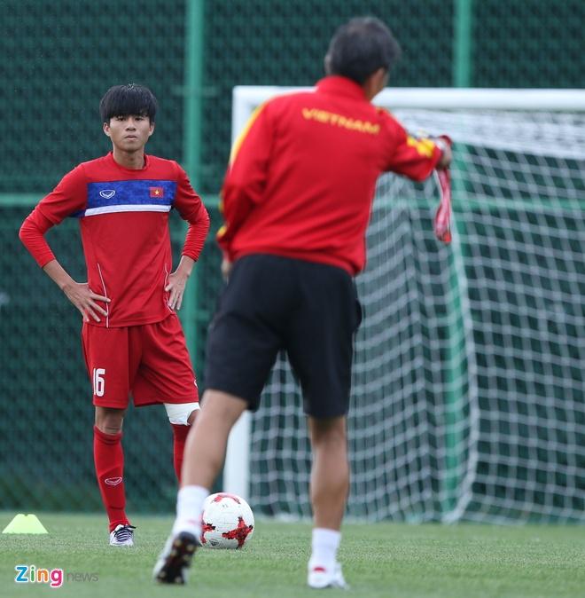 HLV Hoang Anh Tuan tin dung Thanh Hau o tran gap U20 Phap hinh anh 2