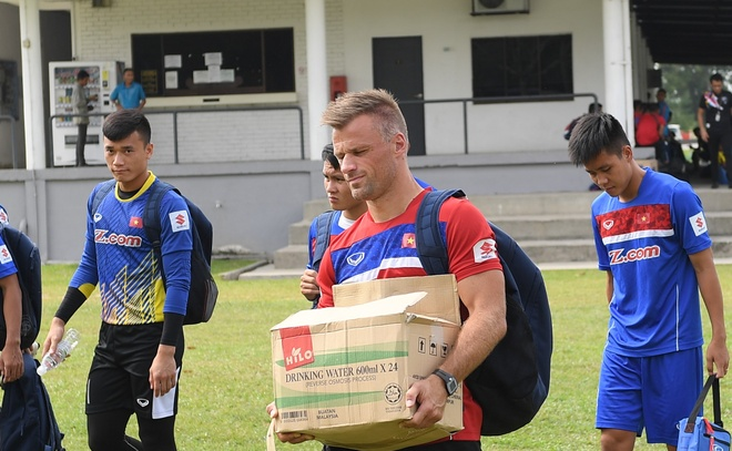 U22 Viet Nam gap phien phuc do dan doan nguoi Malaysia hinh anh