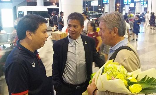 HLV Hoang Anh Tuan tiep tuc dan dat U19 Viet Nam hinh anh
