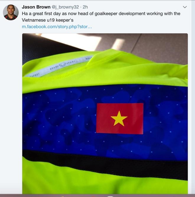 HLV thu mon doi tre Arsenal sang giup U19 Viet Nam la ai? hinh anh 1
