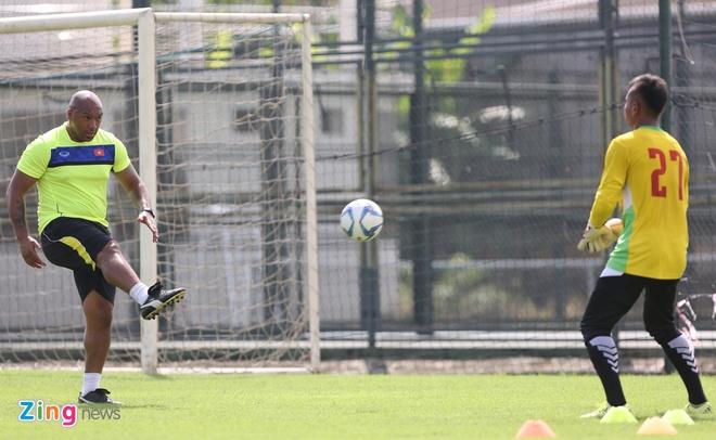 HLV doi tre Arsenal 'day lai tu dau' cho thu mon U19 Viet Nam hinh anh 6