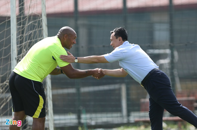 HLV doi tre Arsenal 'day lai tu dau' cho thu mon U19 Viet Nam hinh anh 9