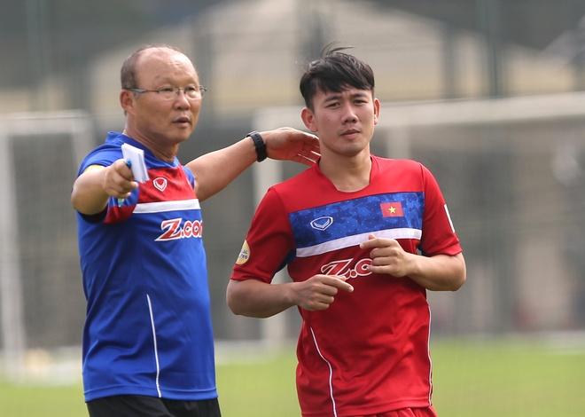 Minh Vuong: 'Cau thu HAGL hop voi triet ly cua HLV Park Hang-seo' hinh anh
