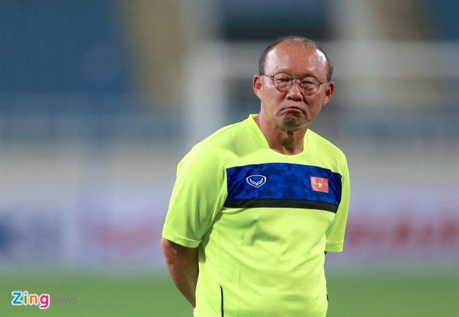 HLV Park Hang-seo cang thang o buoi tap truoc tran gap Afghanistan hinh anh 3