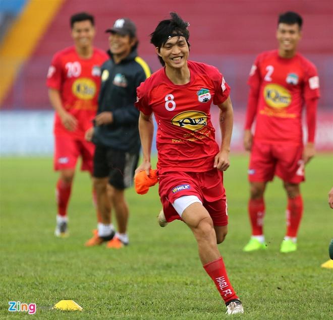 Tuan Anh tap sung suc truoc tran CLB Hai Phong vs HAGL hinh anh 1