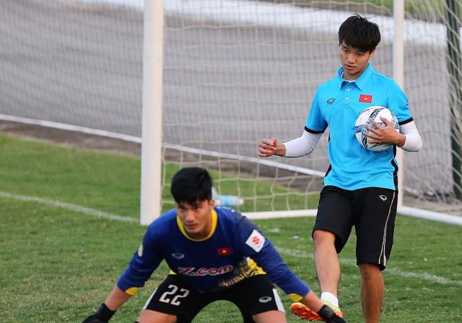 Phi Minh Long lam tro ly HLV thu mon o U23 Viet Nam hinh anh