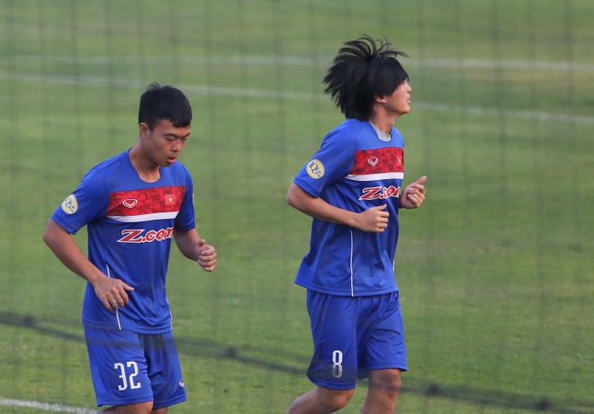 Nhieu cau thu U23 Viet Nam chan thuong, phai tap rieng cung bac si hinh anh