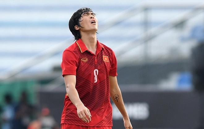 Tuan Anh, Minh Vuong bi loai truoc gio U23 Viet Nam sang Thai Lan hinh anh