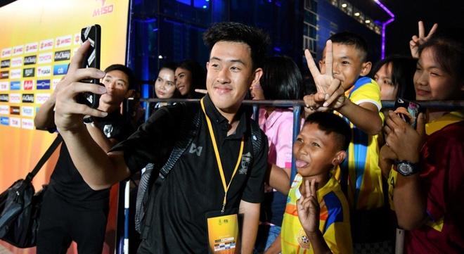 CDV Thai Lan dong vien doi nha sau tran thua U23 Viet Nam hinh anh