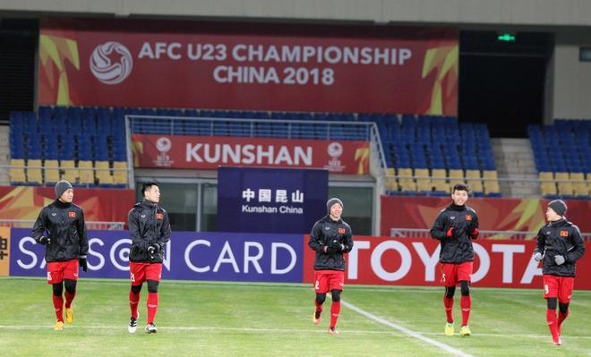 U23 Viet Nam tap lam quen san chinh truoc tran gap U23 Han Quoc hinh anh 1