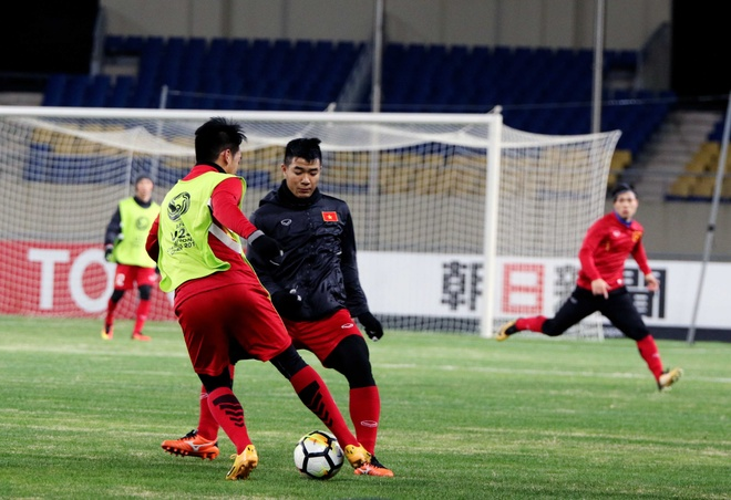 U23 Viet Nam tap lam quen san chinh truoc tran gap U23 Han Quoc hinh anh 6