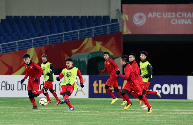 U23 Viet Nam tap lam quen san chinh truoc tran gap U23 Han Quoc hinh anh 4