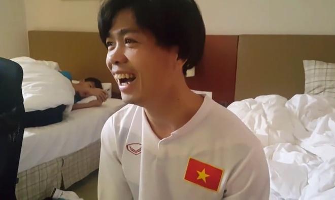 Cong Phuong choi PES giai toa ap luc truoc tran tu ket hinh anh