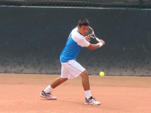 Ly Hoang Nam khoi dong thanh cong cho giai Roland Garros tre hinh anh