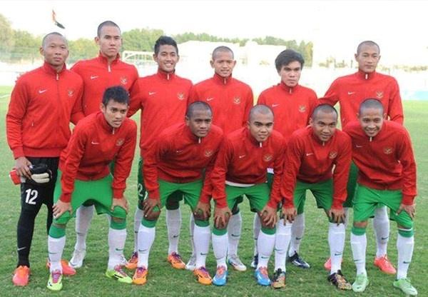 Lo dip gap doi tre Barca, U19 Indonesia doi dau U19 Viet Nam hinh anh
