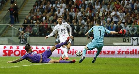 Ronaldo toa sang van khong du de Real tranh that bai hinh anh