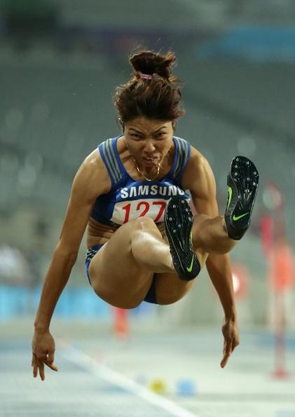 Thu Thảo đạt thành tích tốt ở 5 trong số 6 lần nhảy, trong đó lần thứ ba đạt thông số tốt nhất là 6,44 m.  Ảnh: Getty Images.