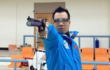 Hoang Xuan Vinh pha KLTG thuoc 15 de cu su kien cua nganh hinh anh