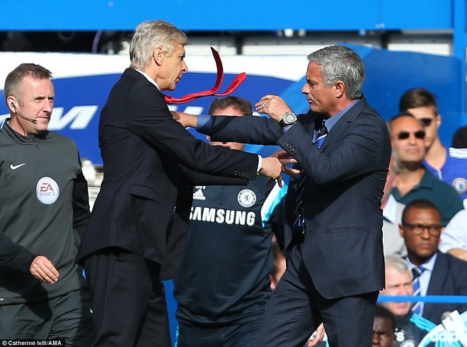 Derby London: Van may cho Wenger va noi so hai cho Mourinho hinh anh