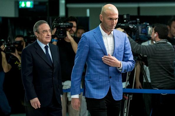 Real bat ngo sa thai HLV Benitez, bo nhiem Zidane hinh anh 1