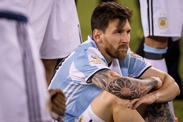 Ban linh cua Maradona la thu Messi con thieu hinh anh 1