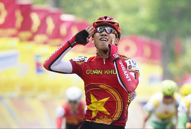 Cua-ro tre Thanh Tung toa sang o chang 7 hinh anh