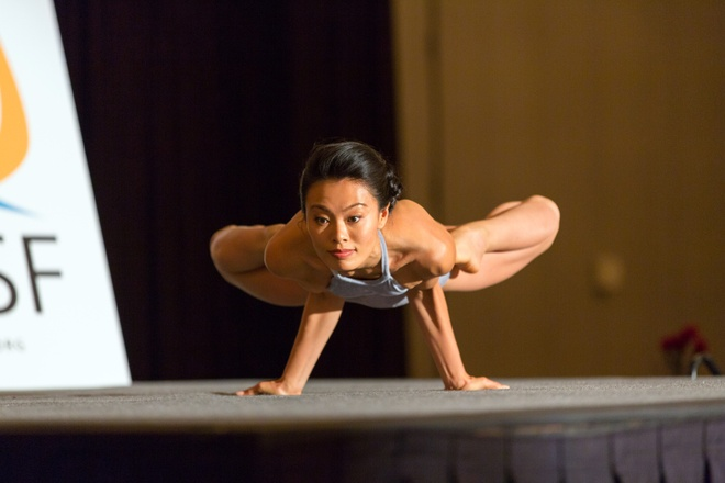 Viet Nam lan dau to chuc giai vo dich yoga chau A hinh anh