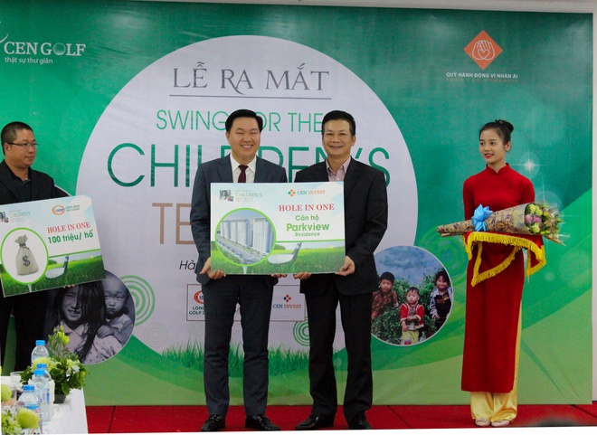 Ra mat giai golf tu thien Swing for the children hinh anh
