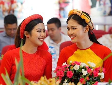 Hoa hau Ngoc Han gop mat o giai Viet da toan quoc 2017 hinh anh