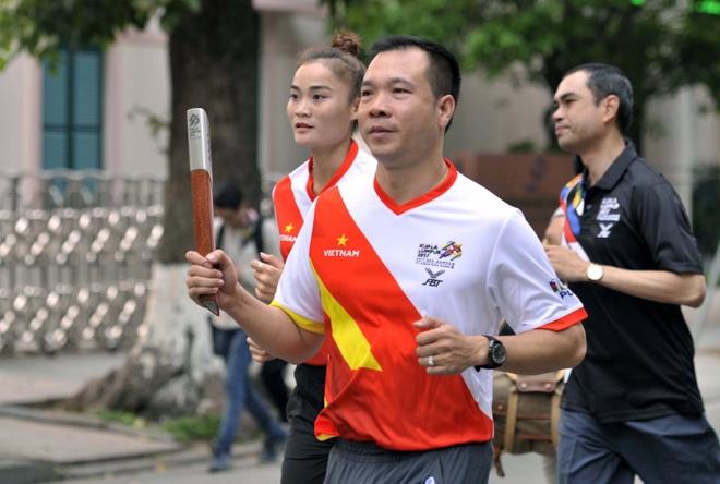 Hoang Xuan Vinh chay huong ung SEA Games 29 hinh anh 2