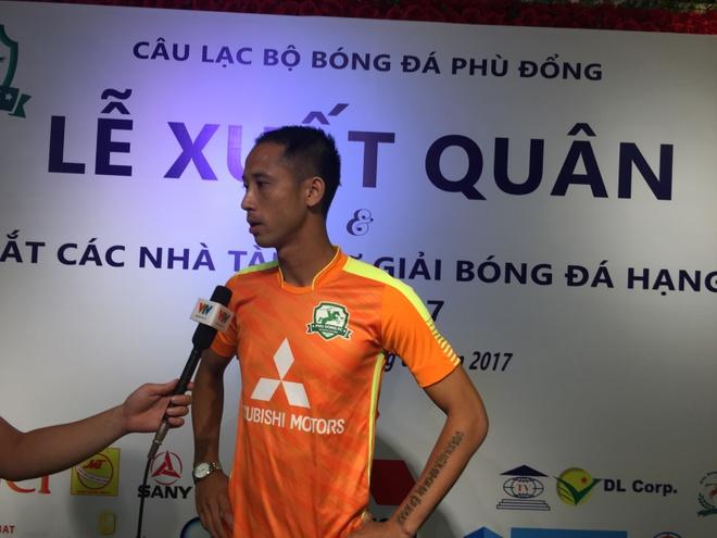 Vu Nhu Thanh tim lai niem vui choi bong o doi hang Nhi hinh anh 1