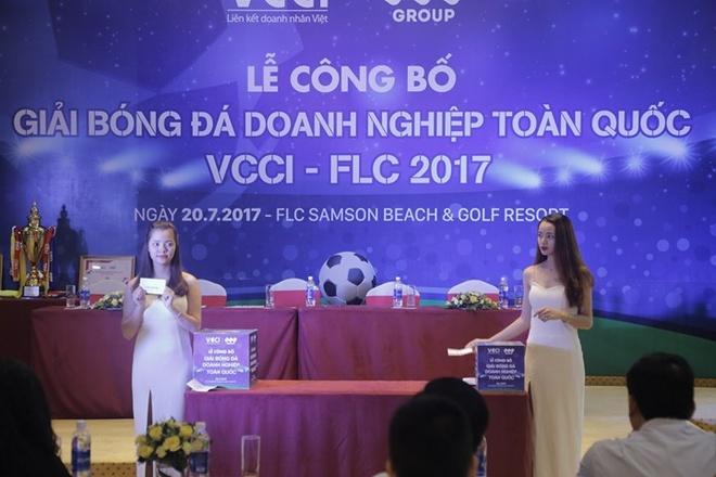 24 doi bong du giai bong da doanh nghiep toan quoc 2017 hinh anh