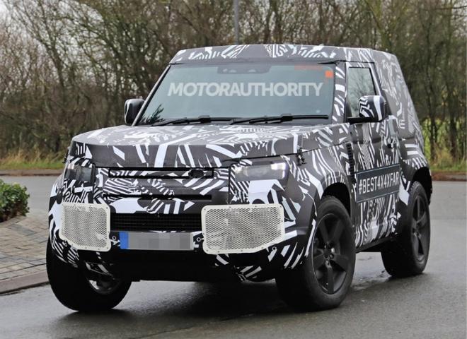 Land Rover Defender 2021 ban 3 cua lo anh chay thu hinh anh 1