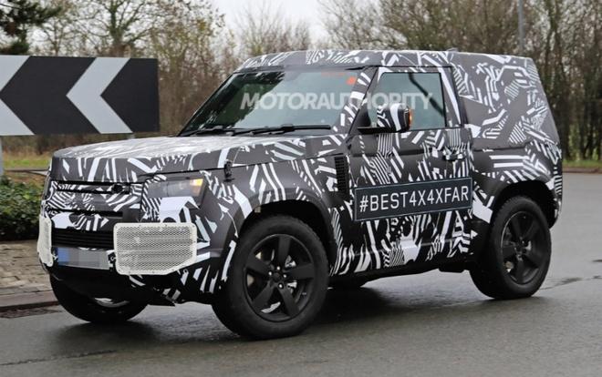 Land Rover Defender 2021 ban 3 cua lo anh chay thu hinh anh