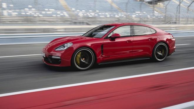 75.000 chiec Porsche Panamera phai trieu hoi vi loi tro luc lai hinh anh 1