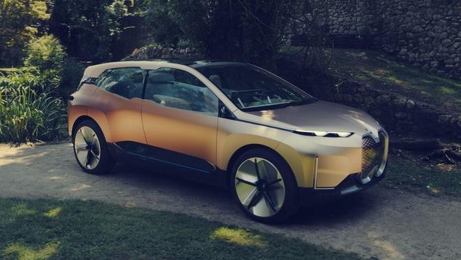 BMW cho lai thu concept Vision iNext tai CES 2019 bang VR hinh anh 3