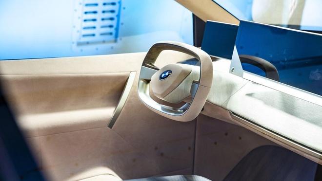 BMW cho lai thu concept Vision iNext tai CES 2019 bang VR hinh anh 2