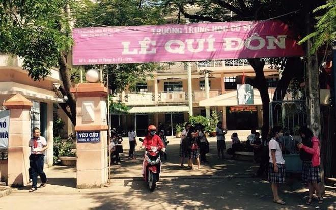 Phu huynh to giao vien 'di' hoc sinh vi khong hoc them hinh anh
