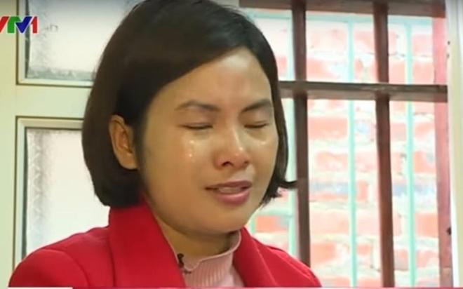 Giao vien Thanh Hoa bat khoc khi noi ve viec dieu chuyen hinh anh