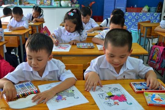 Chuong trinh pho thong moi: Trien khai nong voi? hinh anh 1