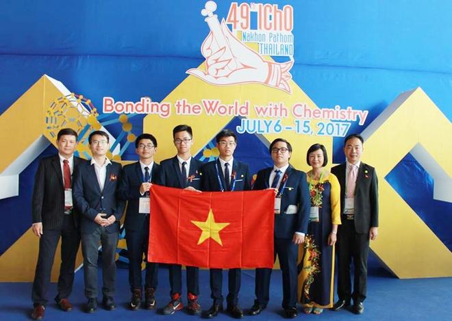 Doan Viet Nam doat 3 huy chuong vang Olympic Hoa hoc quoc te 2017 hinh anh 1