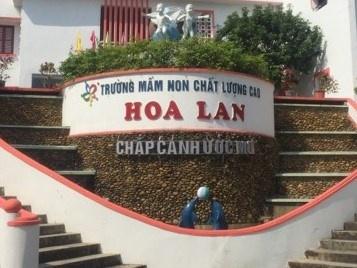TP Uong Bi len tieng vu truong 'phat tien' phu huynh nop hoc phi cham hinh anh 1