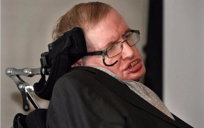 Stephen Hawking: Tu cau be hoc dot gan nhat lop den 'ong hoang Vat ly' hinh anh