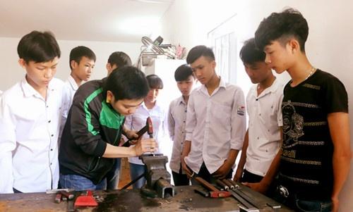 Phan luong sau THCS: Can giai phap cu the, mo hinh phan luong moi hinh anh