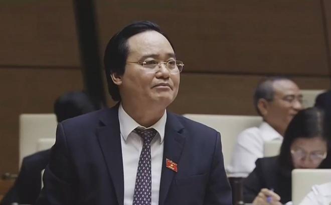 Bo truong Phung Xuan Nha thua nhan sach giao khoa gay lang phi hinh anh