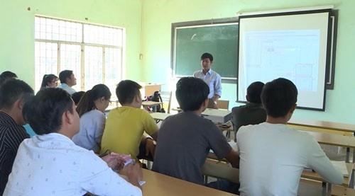 Dai Hoc Tinh Le Khon Kho Trien Mien, Sap Nhap Hay Dong Cua? Hinh